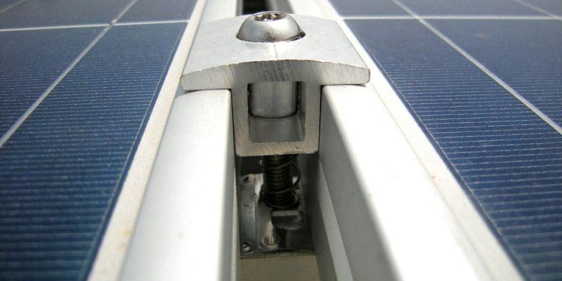 Falownik w instalacji fotowoltaicznej – dlaczego jest tak ważny?